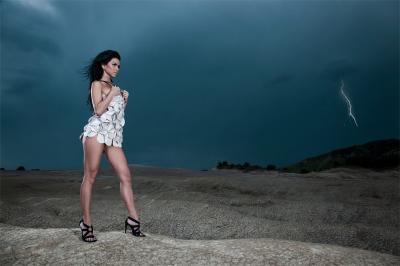 20110109001657-inna-inna-romanian-singer-10617721-1024-683.jpg