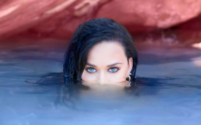 20160914204558-katy-perry-rise.png